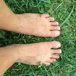 earthing/ feet in grass